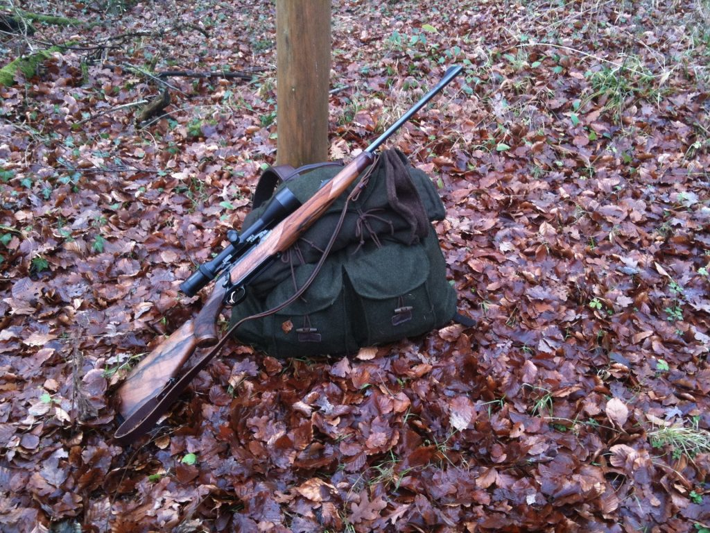 Budget hunting backpack with rifle