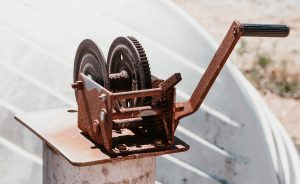 rusty faulty manual crank winch