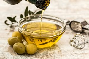 Olive oil for removing face paint
